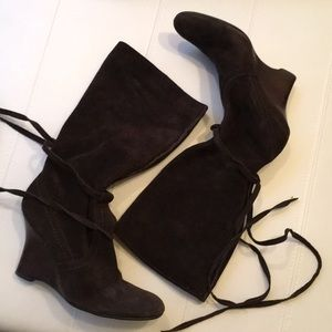 Brown suede wedge boots with ties
